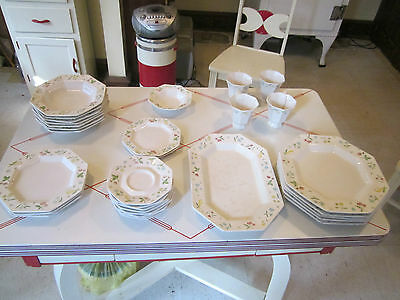 Vintage 32-piece group of Independence Ironstone china by Castleton