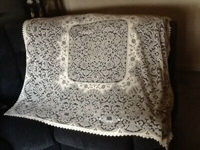 Lovely Old Openwork Lace Tablecloth Nice Design Great Condition No Reserve