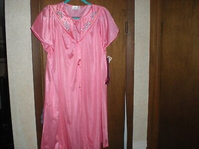 MISS ELAINE PETITE Pink Floral-Embroidered Nightgown Size P M NWT ... e851cca56