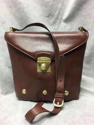 Authentic Salvatore Ferragamo Vintage Leather Shoulder Crossbody Bag Brown  Gold a740f6d07a456
