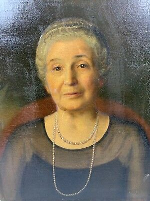 Antique Oil Painting On Canvas Of A Old Lady Not Signed. 14x18