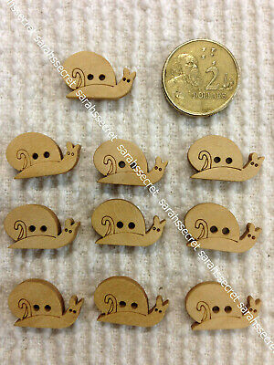 10 x WOODEN BUTTONS with SNAIL  - 20mm  - #B868