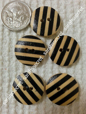 5 x WOODEN BUTTONS with ZEBRA STRIPES DESIGN - 19mm  - #B641