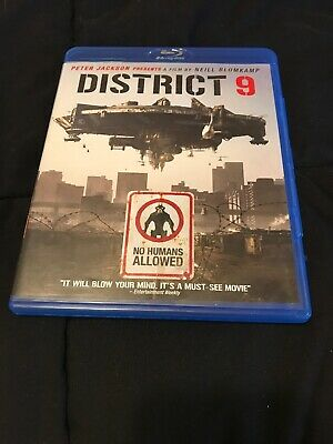 District 9 (2-disc Set- Blu-ray Disc, 2009) Like New Condition