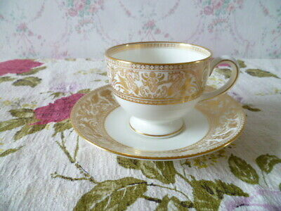 Lovely Wedgwood English China Tea Cup & Saucer  Gold Florentine W 4219