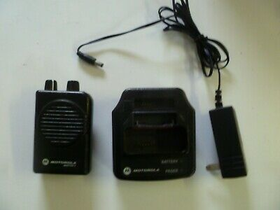 Motorola Minitor V 33-36.9 MHz Low Band 2 Channel Fire EMS Pager w Charger