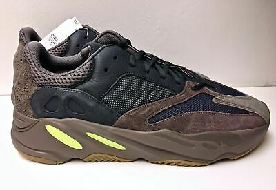 16af38540 Adidas Yeezy Boost 700 Mauve Wave Runner Size 10 EU 44 Original Box Tags  EE9614