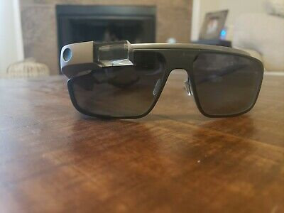 Google Glass smart glasses Functions Perfectly + accessories (broken frame)