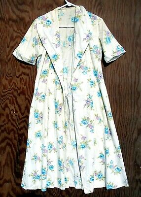 Woman's Short Sleeve White Dress with Blue & Purple Flowers Vintage