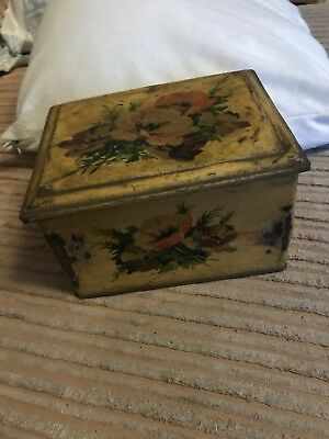 antique vintage small Painted Tin Measuring 16/12/10cm