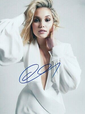 Olivia Holt Signed  8x10 auto photo in Excellent Condition