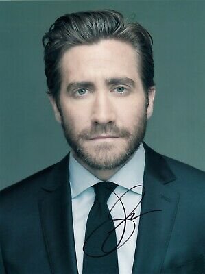 Jake Gyllenhaal Signed  8x10 auto photo in Excellent Condition