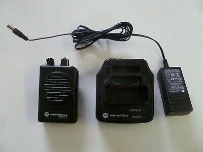 Motorola Minitor V Stored Voice 151-158.9 MHz VHF Fire EMS Pager w Charger y135
