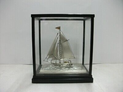 The sailboat of Pure silver of Japan.  #41g/ 1.44oz. Japanese antique
