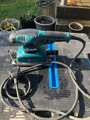 Makita electric sander 240v used but in good condition