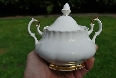 Royal Albert Val D' Or Sugar Bowl With Lid , Fluted , England , Mint