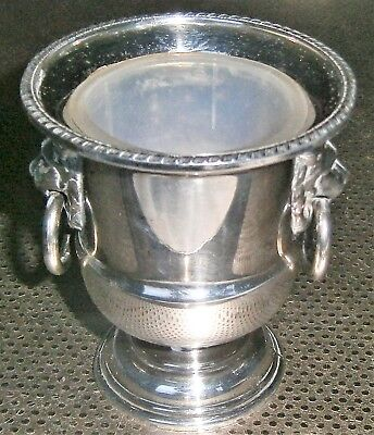 SILVER PLATED DECORATIVE URN / SALT CELLAR by VINERS of SHEFFIELD . Lion's heads