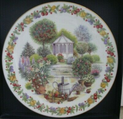 ROYAL WORCESTER Collectable DISPLAY PLATE Traditional Gardens FRUIT GARDEN Box