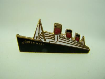 1960s pin back badge Queen Mary Cunard ocean liner                          2207