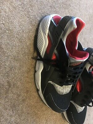 7315518f9e70 NIKE AIR HUARACHE mens trainers size uk 11   eu 46 - £20.00 ...