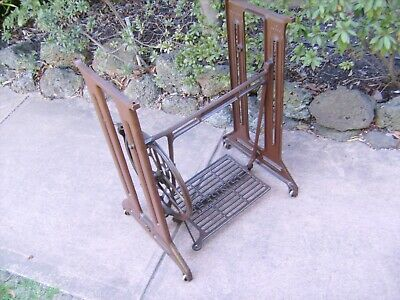 """ANTIQUE """"SINGER""""TREADLE SEWING MACHINE BASE Original Cast-Iron Late Forties"""