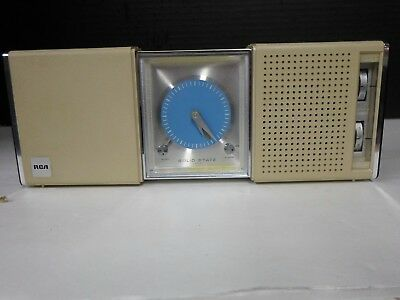 Vintage RCA Clock Radio Portable Travel Alarm Solid State Wind Up Model RZD32B