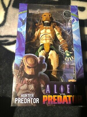 NECA Aliens Vs Predator Arcade Appearance Hunter Predator Action Figure Action- & Spielfiguren