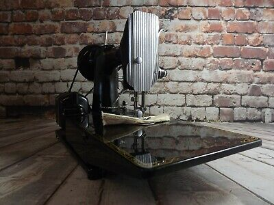 Iconic Singer sewing machine FEATHERWEIGHT 222K. FULLY SERVICED & PAT.TESTED.