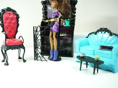 MONSTER HIGH DOLL Clawdeen Wolf + Coffin Bean Cafe + ACCESSORIES ALL IN VGC
