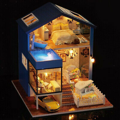 1:24 DIY Handcraft Miniature Project Wooden Dolls House Retro Seattle Villa