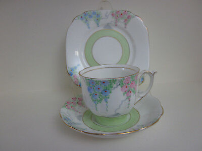 Gorgeous Vintage Bell China Hp Fine Bone China Trio