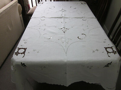Antique White Linen Hand Worked Tablecloth With Whitework & Cutwork Daffodils
