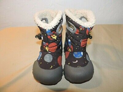 086b58f6e0 BOGS BABY B-MOC Waterproof Insulated Kids/Toddler Winter Boot, Space print 6