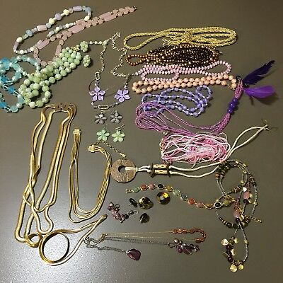 30 Pcs Vtg 50's Necklaces Chunky & Small Beads Pastels Browns Goldtone Chains G1