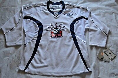 59fb1bf6c BRAND NEW New York Rangers Lady Liberty CCM Jersey - YOUTH Size XL 18 20