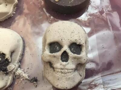 "UK 3d printed hand press bath bomb mold - 3"" skull hand press mold"