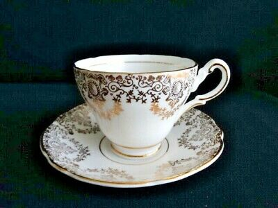 Grosvenor Bone China England Gold Medallion Floral Swags GR078 Cup & Saucer Set