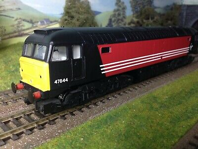 Hornby R2677 Class 47 Virgin Railways Locomotive OO Gauge Train