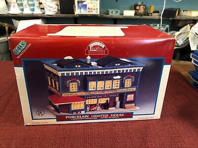 Brand New Porcelain Lemax Christmas Jukebox Junction Mr C's Paint & Hardware.