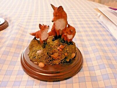 "A Country Artists Ca 553 ""fox Family"" Figurine."