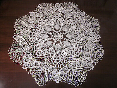 Beautiful Xlarge Round Hand Worked Pineapple Pat Crochet Lace Centrepiece