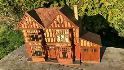 Beautiful Antique Vintage Hand Made Wooden Hobbies Dolls House With Furniture *