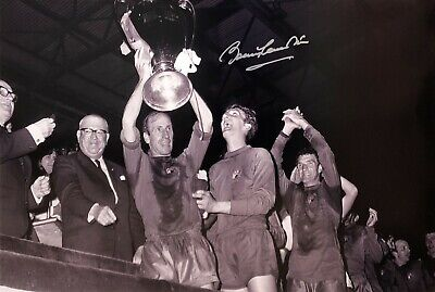 BOBBY CHARLTON SIGNED MANCHESTER UNITED 1968 EUROPEAN CUP FINAL 30x20 PHOTO