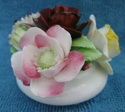 ROYAL DOULTON bone china FLOWER ARRANGEMENT - FLORAL POSY white vase base af