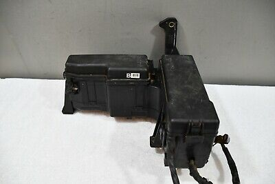 ✅2001 2002 2003 2004 toyota sequoia engine compartment fuse relay junction  box