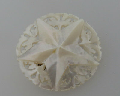 Vintage Carved Mother Of Pearl Brooch With Star Decoration - Star Of Bethlehem ?