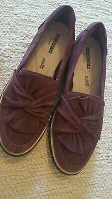 2beff3d8f24 Clarks Suede Slip On Loafer With Knotted Detail- Sharon Dasher Size 6.5 New