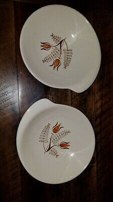 Ancient 1940s very rare Royal China 2 Soup/Cereal Bowls and one plate.