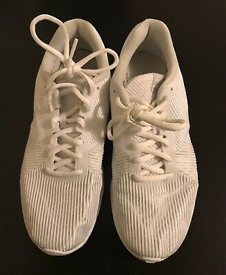 f8a2d9941f5 Nike Flex Women s Athletic Shoe White Size 8 Pre Owned Great Condition