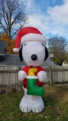 Snoopy And Woodstock Christmas Inflatable.10 Foot Snoopy Woodstock Christmas Stocking Peanuts Airblown